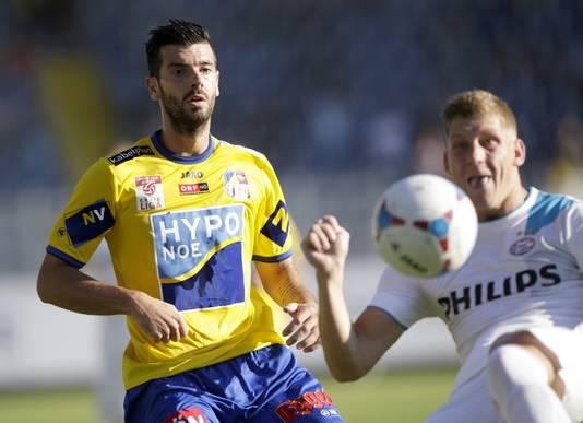 Lucas Segovia namens Sankt Pölten in duel met PSV.