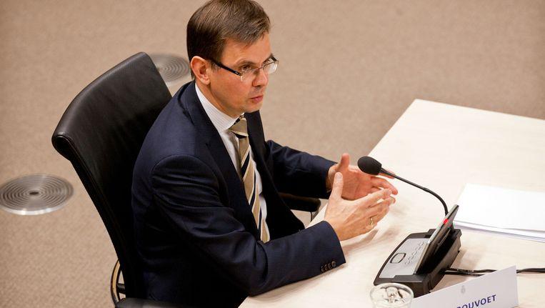 Oud-vicepremier Andre Rouvoet tijdens het verhoor van de parlementaire enquetecommissie Financieel Stelsel, eind vorig jaar. Beeld ANP