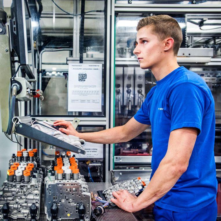 De fabriek van Punch Powertrain in Sint Truiden, België Beeld null