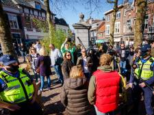 Terrassen in Breda en Amsterdam ontruimd, elders borrelende paspoppen