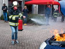 Steffie leert verstandelijk beperkten wat ze moeten doen bij brand: 'Leiding roepen en wegwezen!'