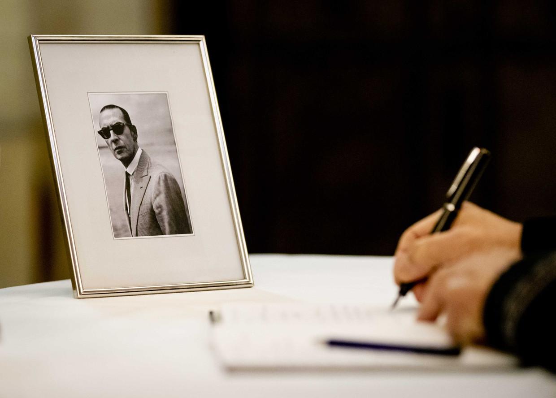 Het condoleanceregister voor Jules Deelder.