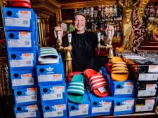 Café verkoopt T-shirts in plaats van glazen bier: 'Een winkel mag wel gewoon open'