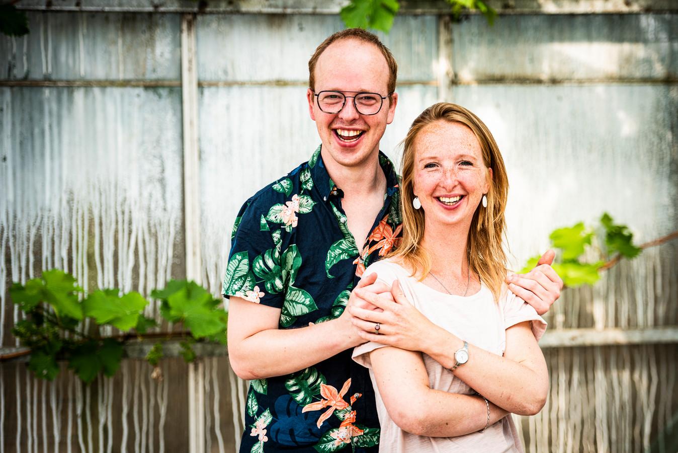 Kim Kamerling start met hulp van haar broer Tom Zorgkas Lokaal & speciaal.