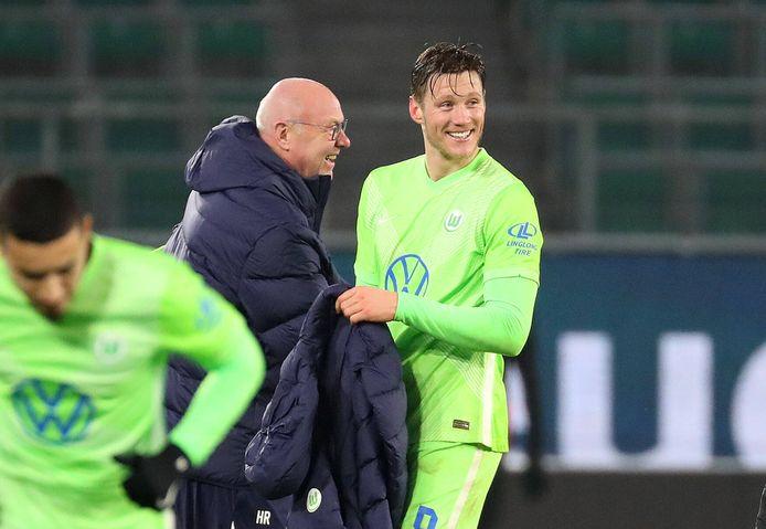 Wout Weghorst scoorde vrijdagavond twee keer tegen Eintracht Frankfurt (2-1 winst) en kwam daarmee al op negen goals in de Bundesliga.