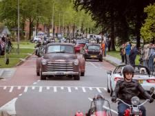 Honderden motorrijders bewijzen laatste eer aan geliefde vriend Frits Volkerink uit Ommen