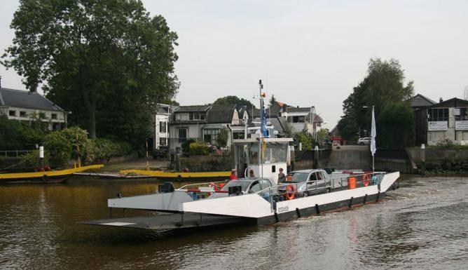De nieuwe veerpont die vanaf maandag gaat varen tussen Veen en Aalst.