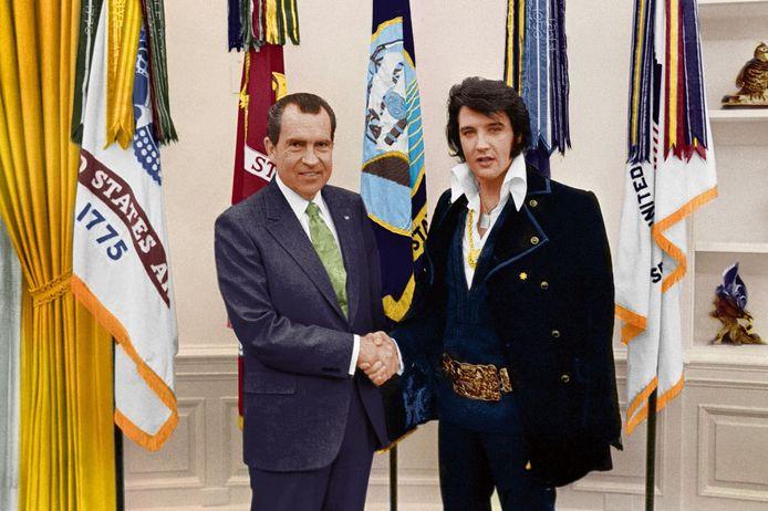 21 december 1970. Een historische ontmoeting tussen Nixon en Elvis, die opdaagde in een fluwelen pak met een gouden riem en een Colt.45-pistool.