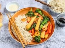Wat Eten We Vandaag: Snelle wokmaaltijd met garnalen