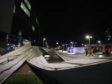 Le vent arrache une partie du toit du stade de Gand