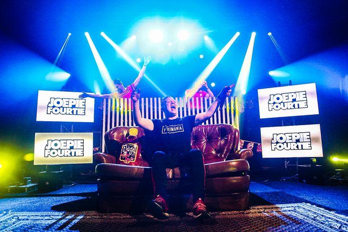 DJ Joepie Fourtie:  Joep Leermakers tijdens een online-evenement.