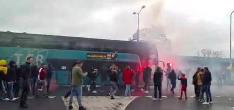 Fans GA Eagles in vuur en vlam: selectie uitgezwaaid met fakkels en gezang