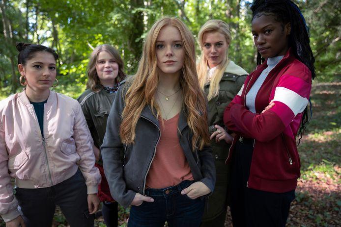 Fate: The Winx Club Saga Season 1: Elisha Applebaum als Musa, Eliot Salt als Terra, Abigail Cowen als Bloom, Hannah van der Westhuysen as Stella, Precious Mustapha als Aisha.