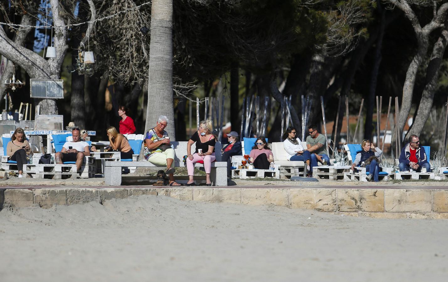 Toeristen op het Spaanse eiland Mallorca.