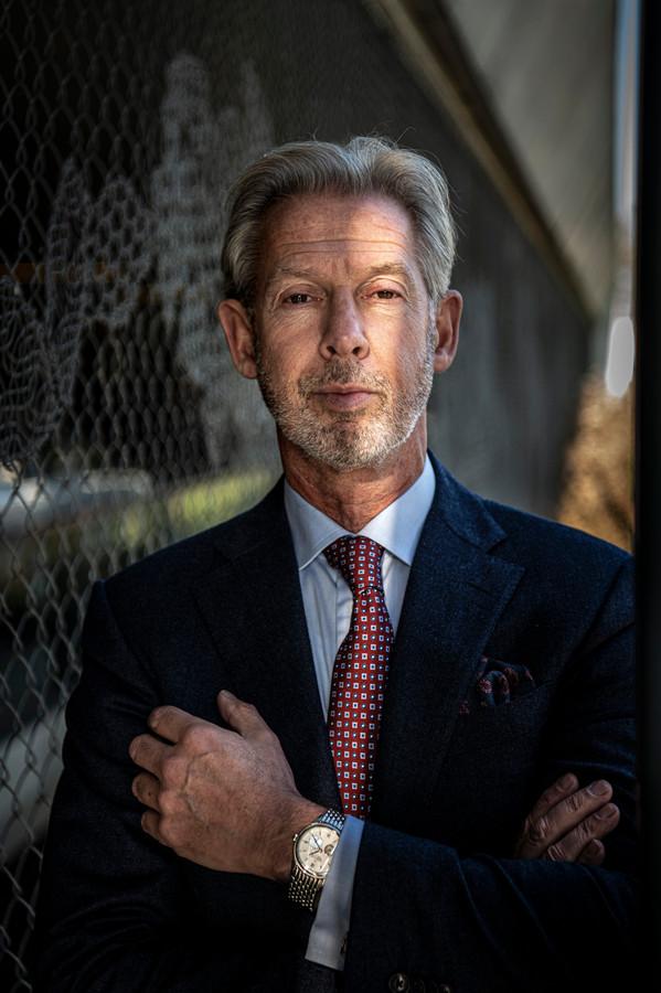 Onno Hoes was kartrekker van de taskforce die een sluitende aanpak moest bedenken rond mensen met verward gedrag en zei recent dat hij zeer teleurgesteld is dat het landelijk meldnummer er nog steeds niet is.