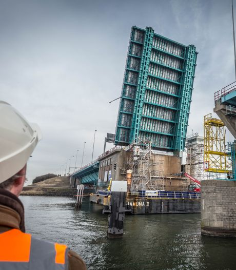 Haringvlietbrug gaat twee weekenden op slot