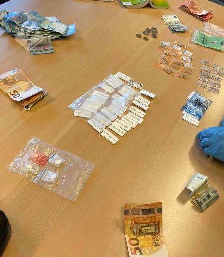 Drugsdealer verstopt zich in Seghwaert, bij vondst blijkt ook nog gevangenisstraf open te staan