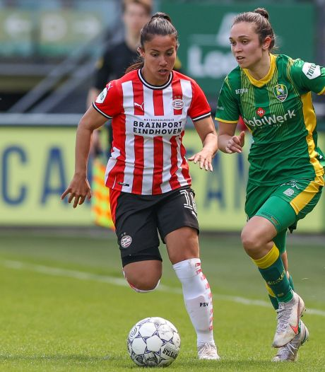 Naomi Pattiwael blijft PSV trouw en tekent bij