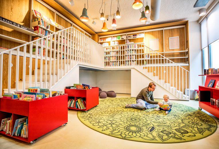De afdeling kinderboeken van Bibliotheek School 7. Beeld Raymond Rutting / de Volkskrant