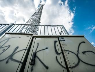 Vier verdachten zendmastbrand vrijgesproken: een raadsel wie de brand stichtte