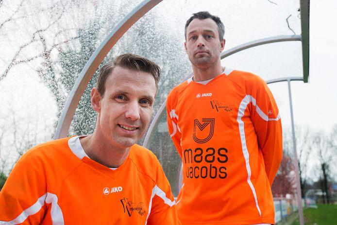 Rudo Gommers (rechts) als speler van Moerse Boys in 2015. Hij groeide bij de club op en werd daarna trainer bij Vivoo en meest recent VV Wernhout.