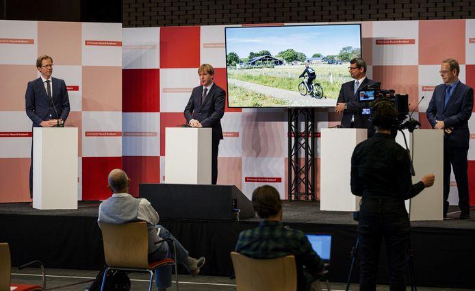 De Brabantse gedeputeerden tijdens de presentatie van het bestuursakkoord.