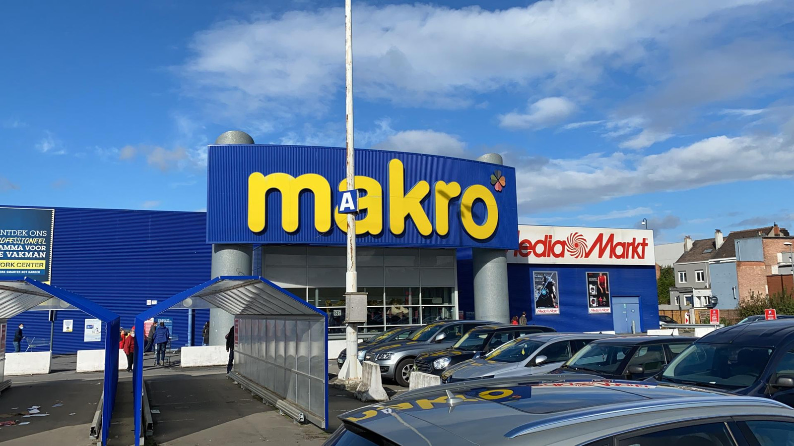 Illustratiebeeld parking Makro Machelen.