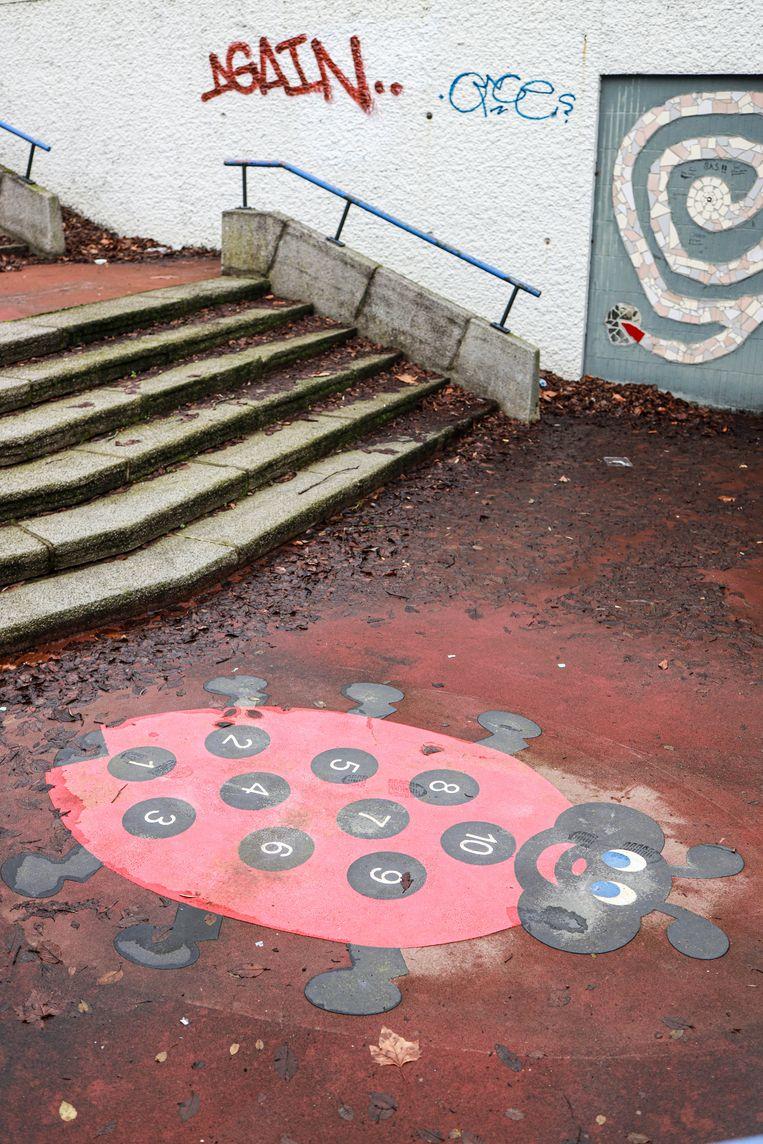 Op 16 januari stonden we op het Mr. Visserplein voor de gesloten deuren van het failliete TunFun. De indoorspeeltuin werd in 2003 geopend in voormalige autotunnel, ooit het eerste moderne verkeersknooppunt van de stad. Winnaar van het jaarabonnement op Ons Amsterdam is Jeff van den Berg. Beeld Anouk Hulsebosch