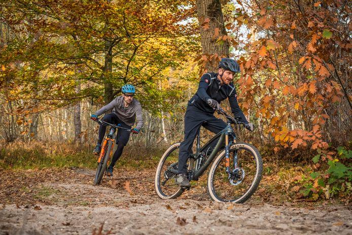 Vorige week werd bekend dat er wordt gewerkt aan de invoering van een Veluwebreed mountainbike-vignet. Met de opbrengsten moet het onderhoud aan de mtb-routes worden gefinancierd.
