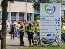 Waarom blijft Vion ondanks alle besmettingen open? Dit zijn de hete hangijzers rond de slachterij in Boxtel
