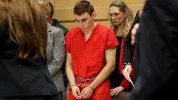 Vier agenten waren te bang om school te betreden tijdens schietpartij in Florida