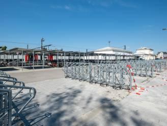 Nauwelijks gebruikte fietsenrekken aan station na anderhalf jaar alweer verwijderd