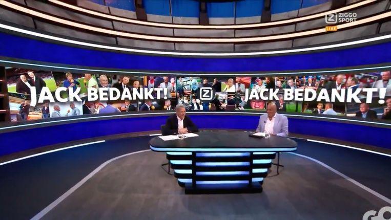 Ziggo Sport bedankt Jack van Gelder, die de zender nu verlaat. Links Marco van Basten. Beeld Ziggo Sport