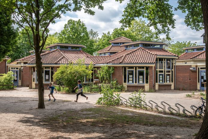 De voormalige basisschool de Vuurvogel aan de Veldsingel in Malden.