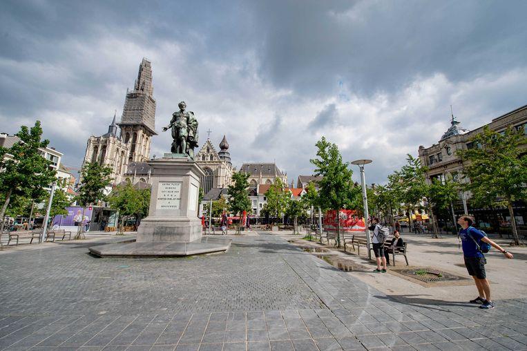 Het is niet druk in de binnenstad van Antwerpen. Het Nederlandse reisadvies voor de provincie Antwerpen is aangescherpt van geel naar oranje. Beeld ANP