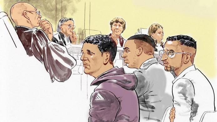Hicham M. in de paarse trui in de rechtbank