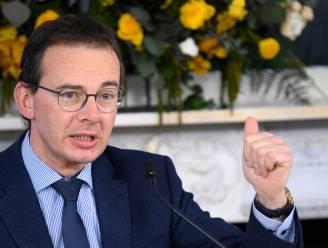 """Minister Beke na open brief: """"Leeftijd zal bepalend criterium zijn bij vaccinatie van brede bevolking"""""""