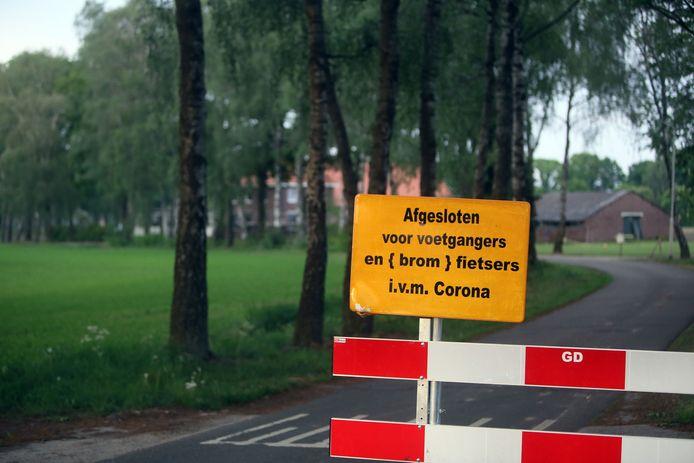 Het bedrijf van Kuijpers in Deurne was eerder afgezet. Sinds vorige week zijn de versperringen weer weggehaald.