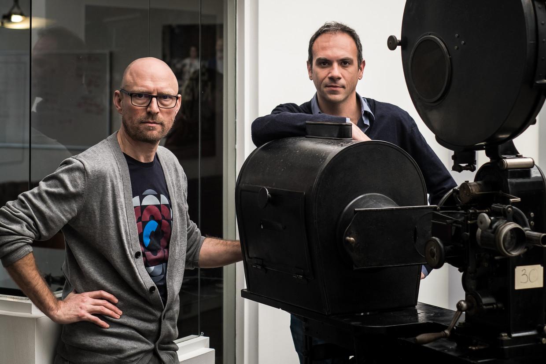 Toon Opdenacker (l.) en Tom De Baerdemaeker van productiehuis Warner Bros. 'Ik weet dat we voor honderd procent zuiver zijn en toch moet ik ons programma ineens gaan verdedigen tegen de hele wereld. Ik vind dat erg.' Beeld Wouter Maeckelberghe