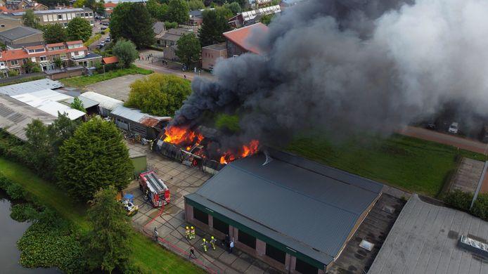 De brand in Culemborg in een loods aan de Parallelweg Oost.