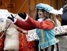 Sinterklaas pakt uit met grotere en duurdere cadeaus: 'Overcompensatie voor corona'