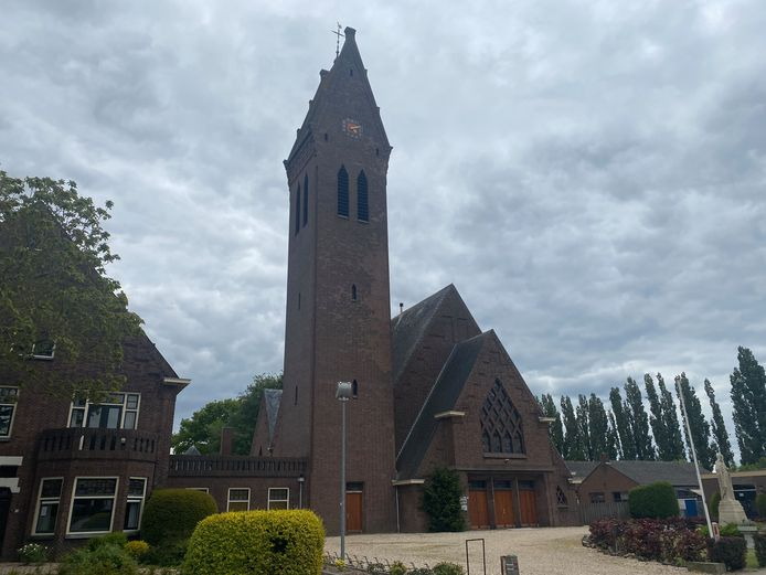 De Leonarduskerk in Oosterhout, waarin het nieuwe dorpshuis wordt gerealiseerd.
