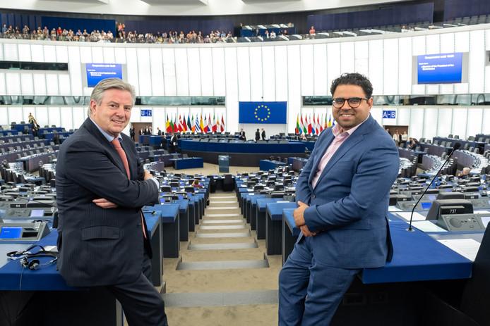 Europarlementariërs Mohammed Chahim en Toine Manders.