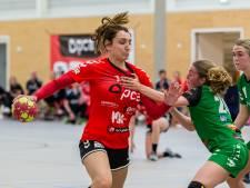Meike Damhuis en Kim Peters nemen met nederlaag afscheid bij de handbalsters van Kwiek