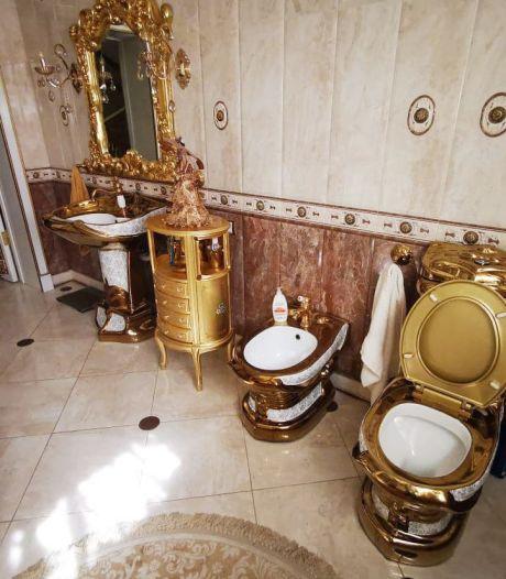 Russen smullen van gouden toiletpot van corrupte ambtenaar