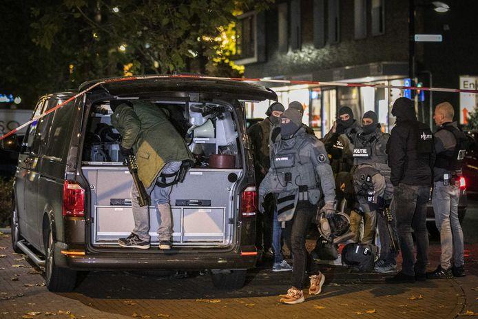 In Alphen heeft een arrestatieteam (niet het team op deze foto) een man opgepakt die in België op een huis zou hebben geschoten.