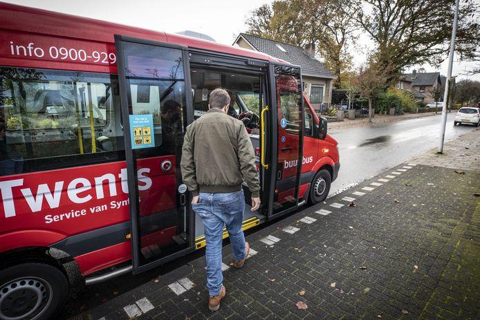 Vanaf het begin regent het klachten over de buurtbus Aalderinkshoek.