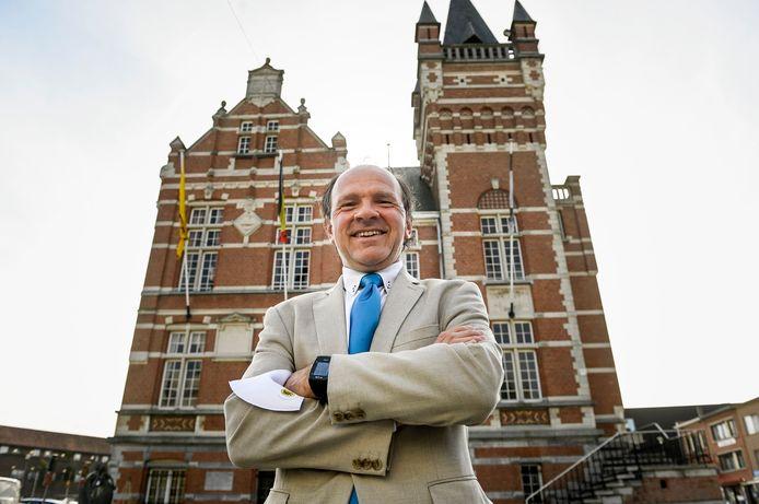 Philippe Muyters (N-VA) wordt maandag ingezworen in Edegem als schepen van mobiliteit, openbaar domein en natuur.