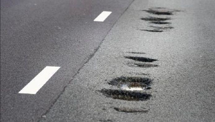 Zo'n beelden zien we steeds minder. Van de snelwegen verkeert 64,3 procent in normale of uitstekende staat.
