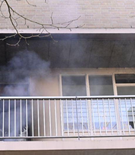 Wie stak op klaarlichte dag deze flat in Horstacker Nijmegen in brand?